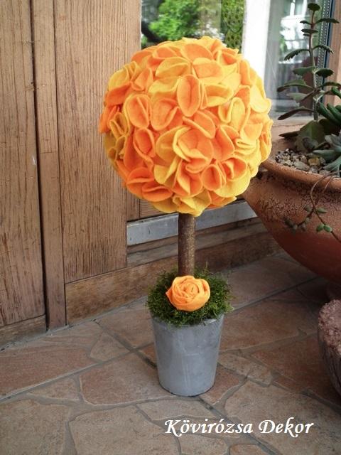 mini filc gömbfa, sárga-narancssárga, 28 cm magas, a gömb átmérője 12 cm, KÓD: TV 08