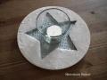 beton gyertyatartó csillag mintával, ezüst festés, 19 cm átmérőjű, KÓD: KGY 12