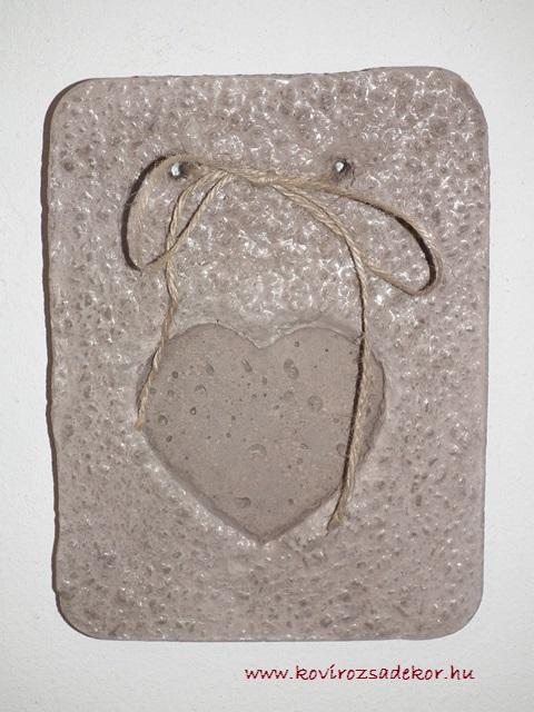 könnyűbeton falikép szív mintával, 15x20 cm, KÓD: KK 09