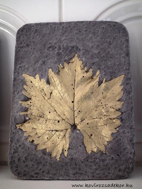 levéllenyomatos falikép (Vitis sp.), arany színű festés, 15x20 cm, KÓD: KK 18