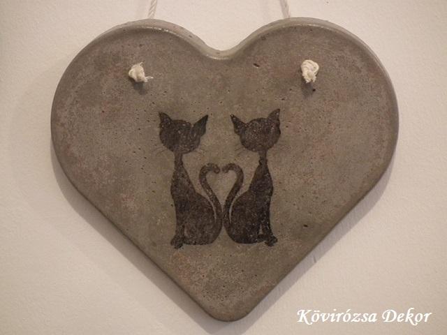 beton szív kép transzferálással, cicákkal, 26x23 cm, KÓD: KK 55