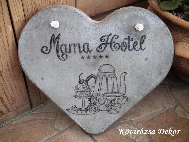 """beton szív kép transzferálással, """"Mama hotel"""", 26x23 cm, KÓD: KK 72"""