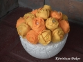 filcvirágok könnyűbeton tartóban, sárga-narancssárga, KÓD: TV 02