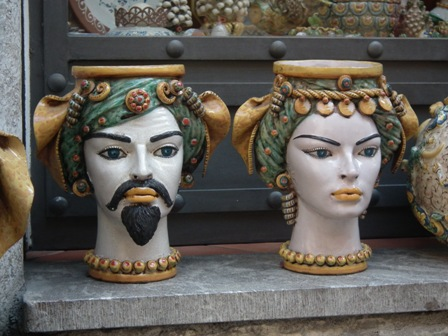 Taormina, fej alakú növénytartók